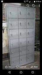 18 Door Lockers
