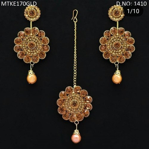 2def2ca4ff3 Shri Imitation Jewellers Round Golden Stone Earring With Mangtika ...
