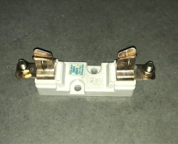 Knife & Din Type White DMC Fuse Base for Industrial