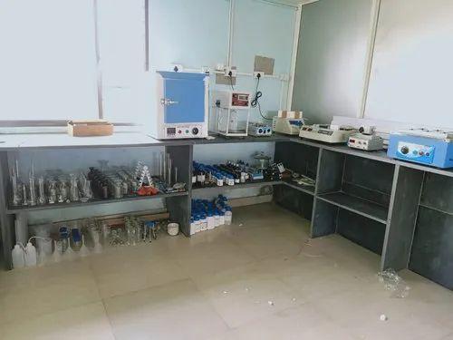 Water Plant Laboratory Setup