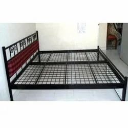 Double Bed With Jalli Top With Two Trollies