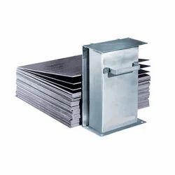 Magwell Sheet Separator
