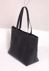 Black Leather Bag, Packaging Type: Poly Bag
