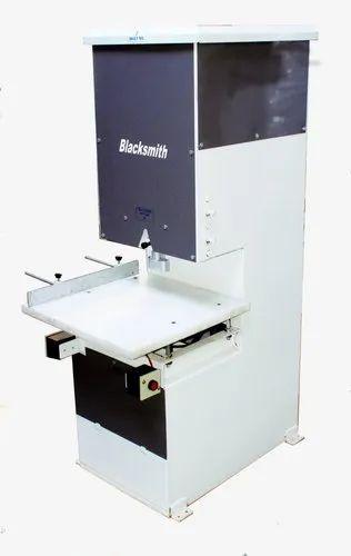 Wovensack D Punch Machine