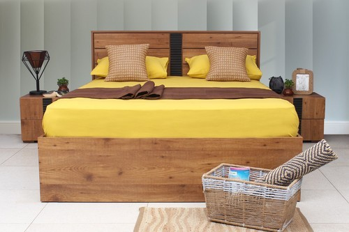 Classic Natural Finish MDF Wood King Bed With Storage
