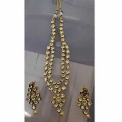 Golden Brass Artificial Necklace Set, Packaging Type: Box, 1 Necklace And 2 Earrings
