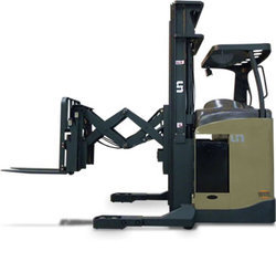 Double Deep Reach Truck
