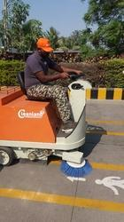 Battery Operated Cleaning Machine for Roads