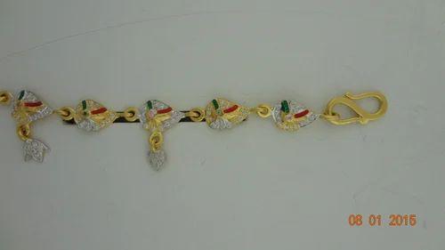 1b63d189b Shreeji Jewellers Gold Bracelet for Ladies and Girls, Packaging Type: Box