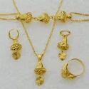 Ladies Gold Pendant Set