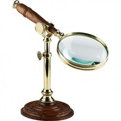 Classic Wooden Brass Finish Magnifying Glass