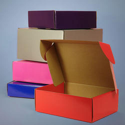 Red And Pink Colored Corrugated Mailing Boxes