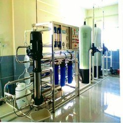 Stainless Steel R O Plant, RO Capacity: 2000-3000 (Liter/hour)