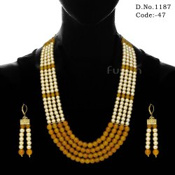 Traditional Pearl Beaded Mala Necklace Set