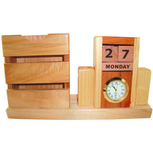 Woodanytime Natural Steam Beach Wood Designer Wooden Pen Stand, Size: 3 Inch X 2.65 Inch X 7 Inch