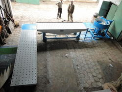 Operated Vibro Foaming Paver Block & Refractive Machines