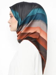 Printed Square Hijab Manufacturer / Latest Hijab Designs For Muslim Women