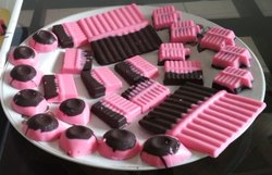 Strawberry Chocolate bars, 1 Kg, Number Of Pieces: 65