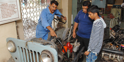 Automobile Mechanic Technician Certification Courses Service In Dadar Mumbai Kohinoor Technical Institute Id 14302729591