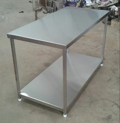 Polished Commercial SS Work Tables, Size: 48 x 30 x34, Square