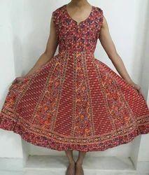 Casual Wear Sleeveless Jaipuri Cotton Frock, Size: M