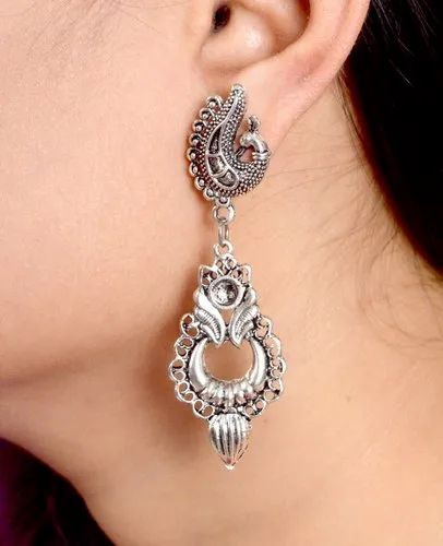 Fashionable Silver Earrings For S