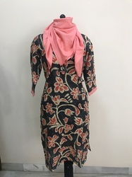 Floral Print Kurti with Scarf