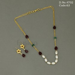 Designer Glass Beads Delicate Handmade Necklace Set, Occasion: Party
