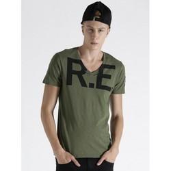 Casual Wear Mens Printed V Neck T- Shirt