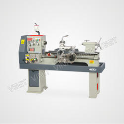 Light Duty Geared Head Lathe Machine