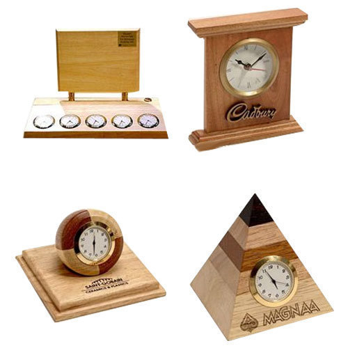 Brown Wooden Table Clock Rs 550 Piece Redwood Apparels And Gifts