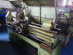 Used & Old - Victor  Lathe  Machine Between Center 1500