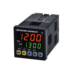 Dual Display, Single Output Temperature Controller