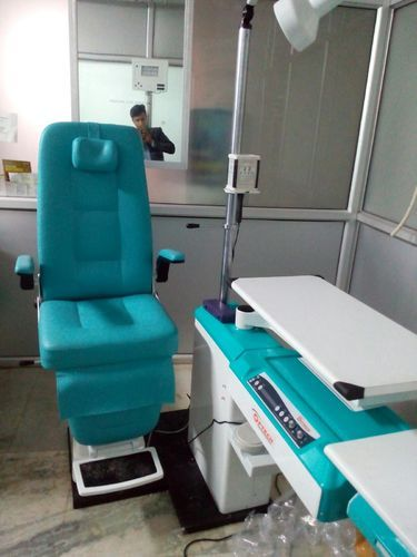 Matronix Refraction Chair Unit Optical Model, Size: Optical Model And Doctor Model