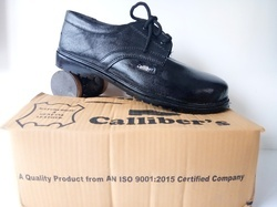 Calliber's Plain Leather Safety Shoes
