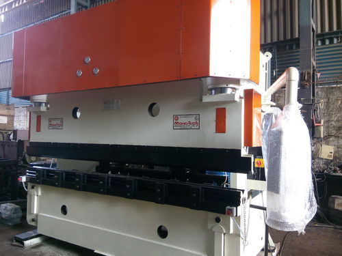 Press Brake Machines - Hydraulic Press Brake Machine Manufacturer