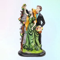 Antique Love Couple Statue