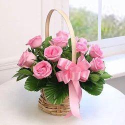 Flower baskets in noida uttar pradesh manufacturers suppliers round basket of 10 pink roses mightylinksfo