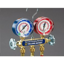 Manifolds Gauges