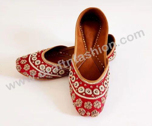 a7609c050 MEGH CRAFT Women Beaded Rajasthani Mojari - Khussa Jutti -Traditional Flip  Flop Shoes