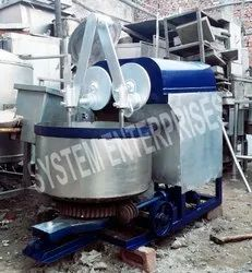 Cake Biscuit Mixture Machine, Capacity: Ask