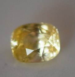 Natural Yellow Sapphire 6.83 Carat. IGI Certified