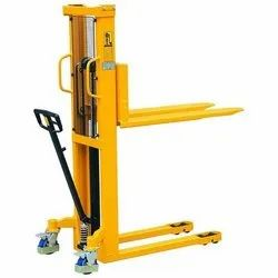 Manual Straddle Stacker