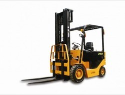 Battery Operated And Diesel Forklift