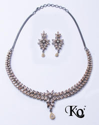 KO-1290 Ladies Artificial Necklace Set