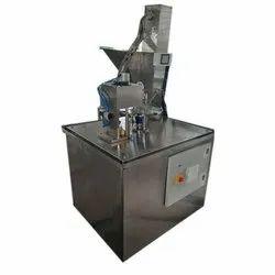 Stainless Steel Bottle Filling Machine, Capacity: 1000-2000 Bottles/Hr, 1 Hp