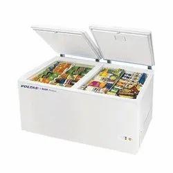 Voltas 500 L Double Door Deep Freezer, Electric, Temperature Range: 18 To -22 Degree C