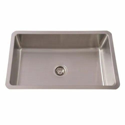 Single Rectangular Futura Undermount Kitchen Sinks, Size: 762x456x230 Mm, Finish Type: Satin