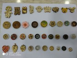 14 Round & Fancy Designs Wooden Button, Packaging Type: Packet, for Garments