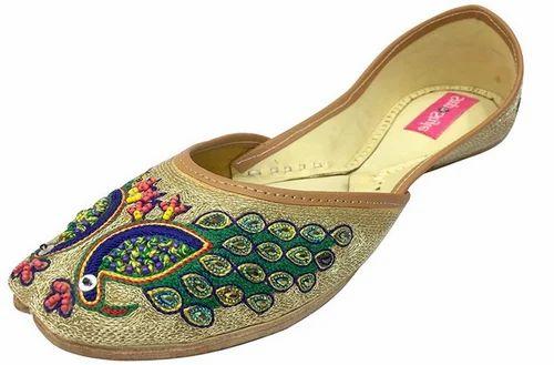 19a40d555eb2 Step n Style Leather Indian Traditional Shoes Punjabi Jutti Mojari Khussa